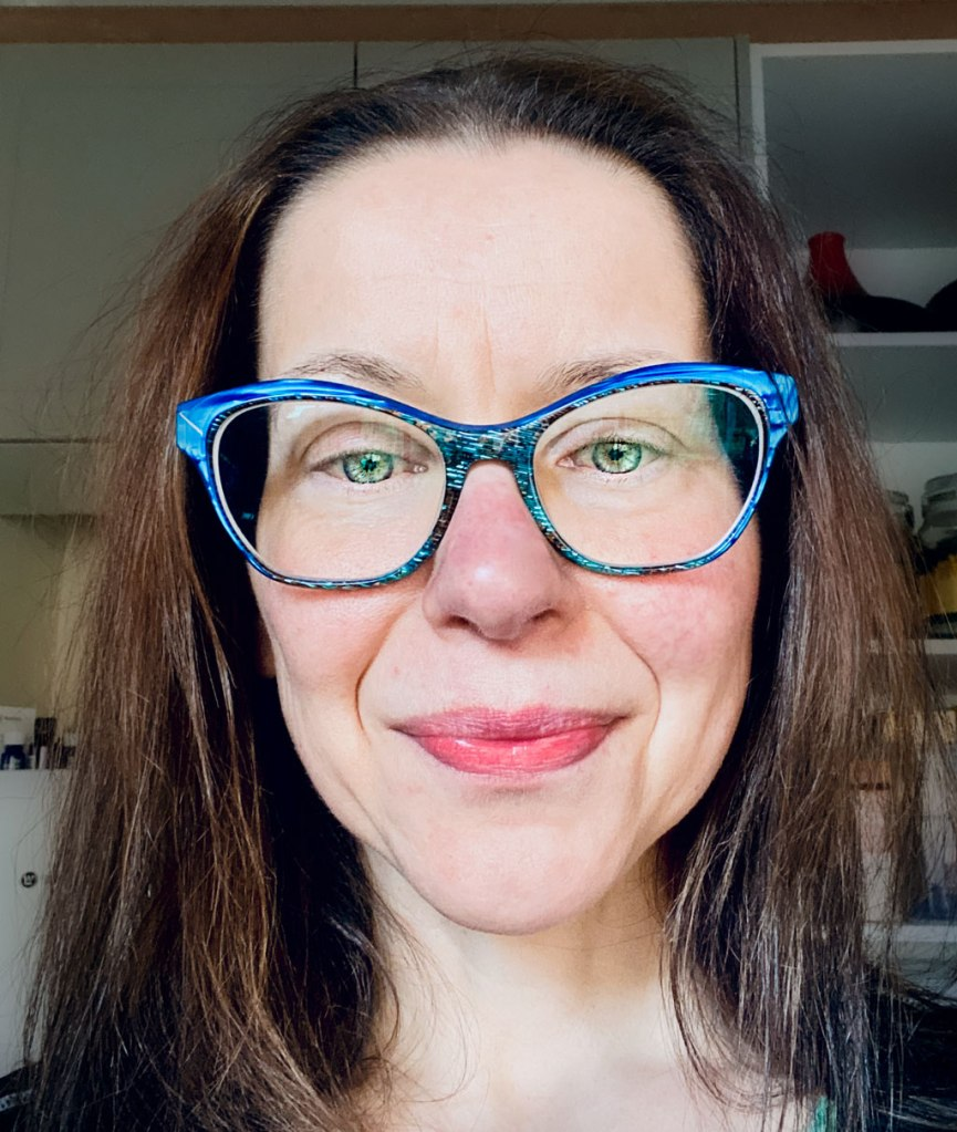 As a dietitian and counsellor,  I am deeply caring, gentle, warm and welcoming in my counselling approach, assisting you to settle in and feel safe and comfortable before and during our sessions. I am focussed and intentional in my approach, and seek to be empowering, energetic and fun with the people I work with.